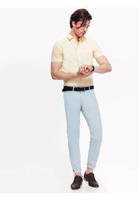 TOP SECRET - Koszula męska z tkaniny oxford o kroju slim. Kolor: żółty. Materiał: tkanina. Długość rękawa: krótki rękaw. Długość: krótkie. Sezon: wiosna, lato
