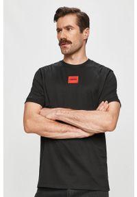 Czarny t-shirt Hugo na co dzień, casualowy, z aplikacjami