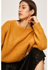 ANSWEAR - Answear - Sweter. Kolor: żółty. Materiał: dzianina. Wzór: gładki