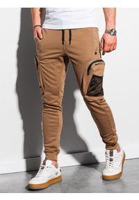 Ombre Clothing - Spodnie męskie dresowe joggery P918 - brązowe - XXL. Kolor: brązowy. Materiał: dresówka