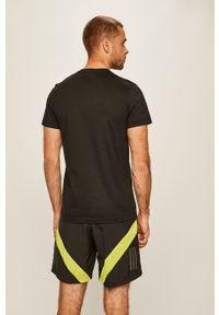 Czarny t-shirt adidas Performance na co dzień, z nadrukiem