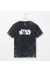 Sinsay - Koszulka z nadrukiem Star Wars - Czarny. Kolor: czarny. Wzór: motyw z bajki, nadruk