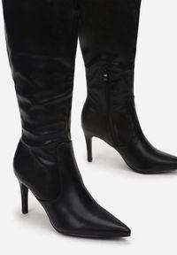 Born2be - Czarne Kozaki Petalgarden. Wysokość cholewki: przed kolano. Zapięcie: zamek. Kolor: czarny. Szerokość cholewki: normalna. Obcas: na szpilce. Styl: wizytowy
