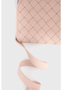 Pieces - Torebka. Kolor: różowy. Rodzaj torebki: na ramię