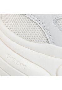 Geox - Sneakersy GEOX - J Lunare G. D J02BGD 08514 C1000 S White. Okazja: na uczelnię, na spacer, na co dzień. Kolor: biały. Materiał: skóra, zamsz, materiał. Szerokość cholewki: normalna. Styl: casual