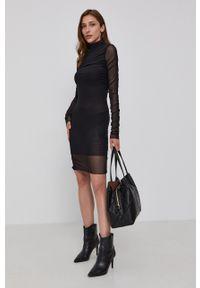 Patrizia Pepe - Sukienka. Kolor: czarny. Materiał: dzianina. Długość rękawa: długi rękaw. Wzór: gładki. Typ sukienki: dopasowane