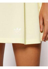 Adidas - adidas Spódnica tenisowa Tennis Luxe H56435 Żółty Regular Fit. Kolor: żółty
