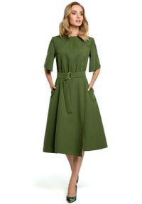 MOE - Zielona Rozkloszowana Sukienka z Poszerzanym Rękawem do Łokcia. Kolor: zielony. Materiał: poliester, elastan