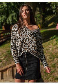 Szary sweter Fanaberia.com z nadrukiem, z dekoltem w serek