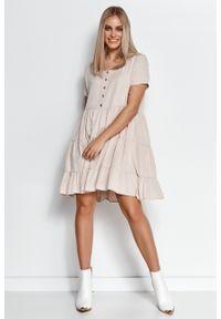 e-margeritka - Zwiewna sukienka z falbanami jasny beż - 40/42. Kolor: beżowy. Materiał: wiskoza, materiał. Wzór: aplikacja. Długość: midi