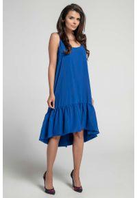 Niebieska sukienka z falbanami Nommo na ramiączkach, asymetryczna, z asymetrycznym kołnierzem