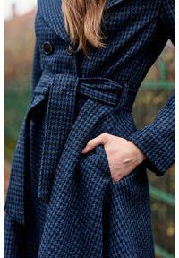 Marie Zélie - Płaszcz Achillea granatowa pepita – wełna Harris Tweed®. Kolor: niebieski. Materiał: wełna