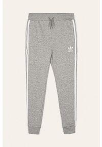 Szare spodnie dresowe adidas Originals na co dzień, z aplikacjami