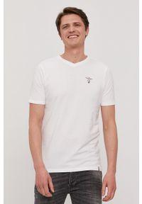 Aeronautica Militare - T-shirt. Okazja: na co dzień. Kolor: biały. Materiał: dzianina. Wzór: gładki. Styl: casual