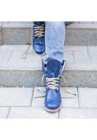Zapato - botki sznurowane na niskim obcasie - skóra naturalna - model 424 - kolor granat. Okazja: na spacer. Wysokość cholewki: za kostkę. Materiał: skóra. Obcas: na obcasie. Styl: sportowy. Wysokość obcasa: niski