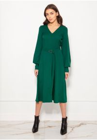 e-margeritka - Sukienka midi elegancka z bufiastymi rękawami zielona - 38. Okazja: do pracy. Kolor: zielony. Materiał: materiał, poliester. Typ sukienki: proste, rozkloszowane. Styl: elegancki. Długość: midi