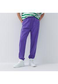 House - Dresowe joggery - Fioletowy. Kolor: fioletowy. Materiał: dresówka