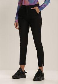 Renee - Czarne Spodnie Peisideia. Kolor: czarny. Długość: długie. Wzór: aplikacja. Styl: klasyczny, elegancki