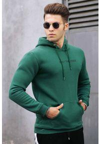 IVET - Bluza męska ALEXANDER GREEN. Okazja: na co dzień. Typ kołnierza: kaptur. Kolor: zielony. Materiał: materiał. Wzór: napisy. Styl: casual