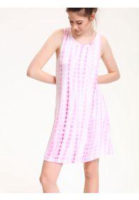 Różowa sukienka TROLL na lato, casualowa, bez rękawów, na co dzień