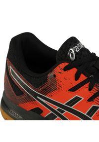 Czerwone buty treningowe Asics z cholewką
