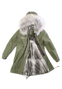 Mr & Mrs Italy - MR & MRS ITALY - Zielona parka Army z futrem. Kolor: zielony. Materiał: futro. Długość rękawa: długi rękaw. Długość: długie. Wzór: aplikacja. Sezon: zima. Styl: klasyczny