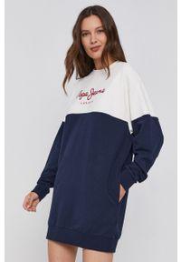 Pepe Jeans - Sukienka Blanche. Okazja: na co dzień. Kolor: niebieski. Materiał: dzianina. Wzór: nadruk. Typ sukienki: proste. Styl: casual