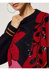 Sweter klasyczny Laurèl w kolorowe wzory