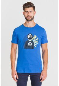 Niebieski t-shirt Ice Play w kolorowe wzory