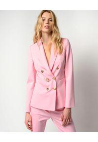 Pinko - PINKO - Różowa marynarka Alexia 1. Okazja: do pracy. Typ kołnierza: dekolt w kształcie V. Kolor: różowy, wielokolorowy, fioletowy. Materiał: jeans. Styl: elegancki
