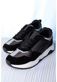 Casu - czarne buty sportowe sznurowane casu ds11901. Kolor: czarny