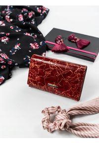 Czerwony portfel LORENTI