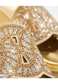 Casadei - CASADEI - Złote klapki z kryształkami. Kolor: złoty. Wzór: aplikacja, ażurowy