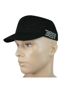 Czarna czapka z napisami, na lato