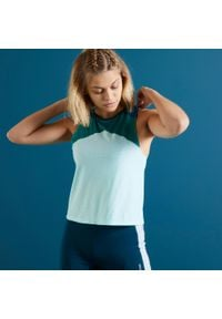 DOMYOS - Crop top fitness Color Block. Kolor: turkusowy, niebieski, zielony, wielokolorowy. Materiał: elastan, poliester, materiał. Sport: fitness