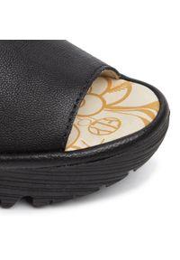 Czarne sandały Fly London casualowe, na co dzień