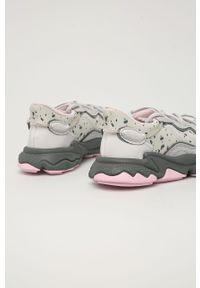 Szare buty sportowe adidas Originals na obcasie, na sznurówki
