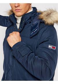 Tommy Jeans Kurtka zimowa Tjw Tech DM0DM08759 Granatowy Regular Fit. Kolor: niebieski. Sezon: zima
