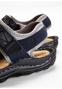 Niebieskie sandały bonprix na rzepy