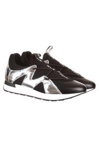 Pollini - POLLINI - Czarne sneakersy ze srebrnym detalem. Zapięcie: bez zapięcia. Kolor: czarny. Materiał: jeans, materiał. Wzór: aplikacja