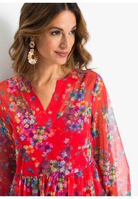 Sukienka koszulowa bonprix czerwony w kwiaty. Kolor: czerwony. Materiał: szyfon. Wzór: kwiaty. Typ sukienki: koszulowe