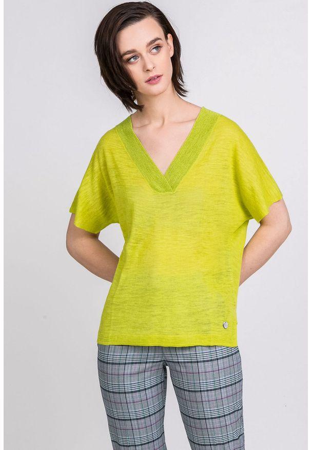 Zielony sweter Monnari z krótkim rękawem, z dekoltem w serek, krótki