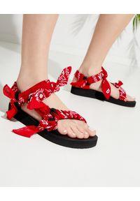 ARIZONA LOVE - Czerwone sandały Trekky Chou. Zapięcie: pasek. Kolor: czerwony. Materiał: materiał, bawełna. Wzór: paisley, paski