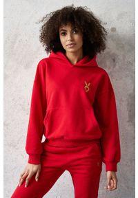 Czerwona bluza Cardio Bunny z aplikacjami, z długim rękawem, długa, z kapturem