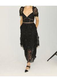 SELF PORTRAIT - Czarna sukienka z koronką. Kolor: czarny. Materiał: koronka. Wzór: koronka. Typ sukienki: rozkloszowane. Długość: midi