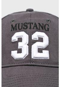 Szara czapka z daszkiem Mustang