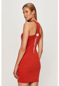 Czerwona sukienka LABELLAMAFIA bez rękawów, na co dzień, prosta, mini