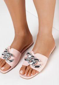Born2be - Różowe Klapki Peimia. Nosek buta: otwarty. Kolor: różowy. Obcas: na obcasie. Styl: klasyczny. Wysokość obcasa: niski