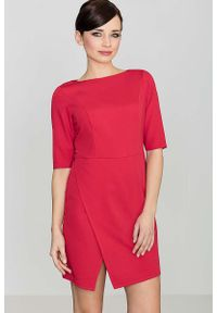 Czerwona sukienka asymetryczna Katrus elegancka, z asymetrycznym kołnierzem