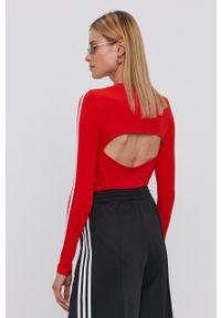adidas Originals - Longsleeve. Kolor: czerwony. Materiał: bawełna, dzianina. Długość rękawa: długi rękaw. Wzór: aplikacja